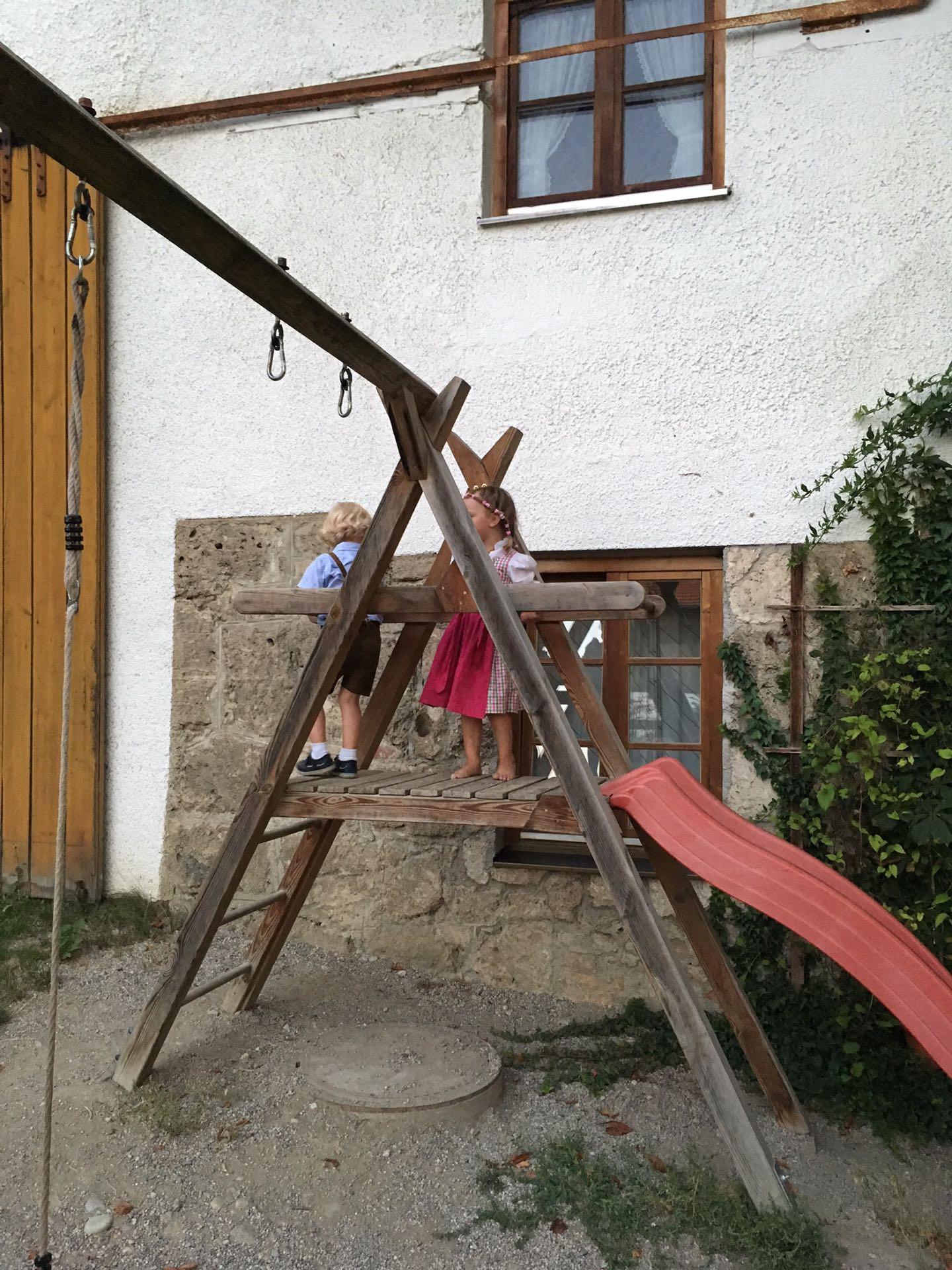 bavarian kids